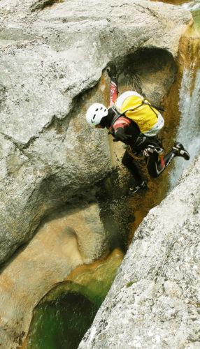 Salto de entrada al Mascún Superior, una auténtica joya de la Sierra de Guara y uno de los mejores de Europa.