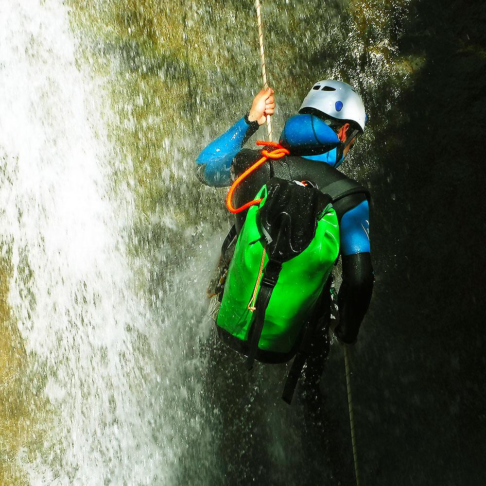 curso-barranquismo-descenso-de-canones-iniciacion-guias-de-barrancos-euskadi-pais-vasco-euskal-herria-33