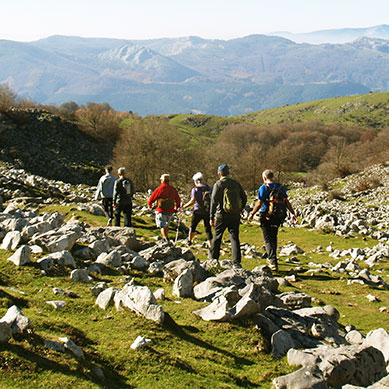 Senderismo-trekking-euskadi-navarra-deporte-aventura-2