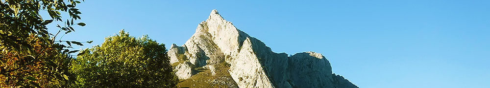 senderismo-trekking-euskadi-navarra-pirineos-deporte-aventura-guias-de-montana-mendi-gidariak-mountain-guides-4