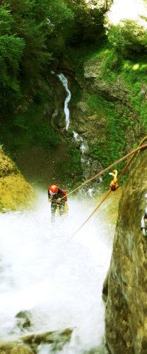 Curso de perfeccionamiento barranquismo, grandes verticales. Pais Vasco, Euskadi, Euskal Herria, Pirineos. Guías profesionales de barranquismo