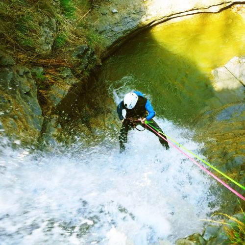 Descenso Barranco Agiñaga. Un entorno natural apartado y sorprenente.