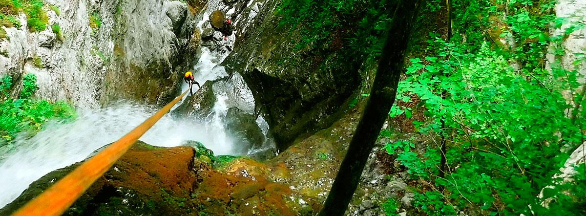 Barranco Saratze. Barranquismo en Kakueta, Holtzarte, Navarra, Isaba, Belagua, Iparralde. Guías de Montaña y Barrancos. Mountain nad Canyon Guides. Mendi eta Arroila Gidariak.