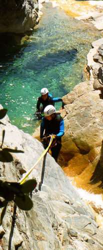 Barranquismo, barranco Siresa, Valle de Echo. Canyoning. Guías de Montaña y Barrancos. Mountain and Canyon Guides.