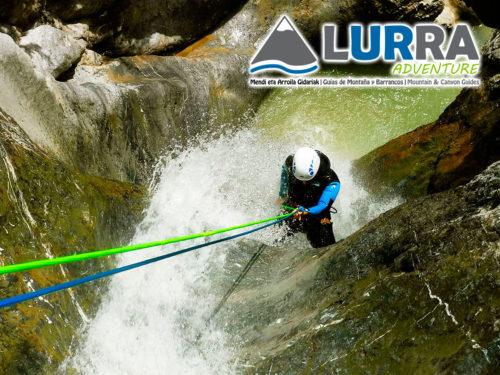 Barranco Estribiella-Descenso-de-cañones-barranquismo-valle-de-hecho-guías-de-montaña-y-barrancos-Mountain-and-canyon-guides-canyoning-Lurra-adventure