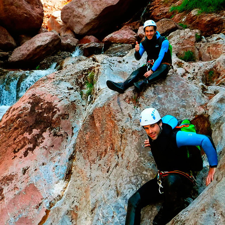 Barranco Jadin o Zapironcho-Descenso-de-cañones-barranquismo-valle-de-hecho-guías-de-montaña-y-barrancos-Mountain-and-canyon-guides-canyoning-Lurra-adventure-WEB-3