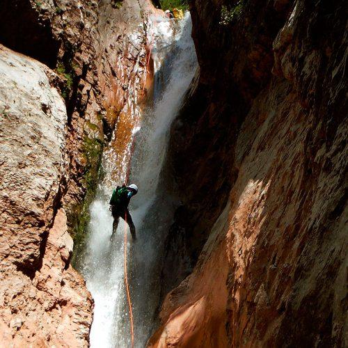 Barranco Jadin o Zapironcho-Descenso-de-cañones-barranquismo-valle-de-hecho-guías-de-montaña-y-barrancos-Mountain-and-canyon-guides-canyoning-Lurra-adventure