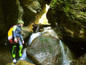 Barranco-Althagneta-Barranquismo-Descenso-de-cañones-Canyoning-Iparralde-Kakueta-Holtzarte-Navarra-Guías-de-Barrancos-Canyon-Guides-1