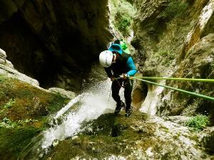 Barranco-Althagneta-Barranquismo-Descenso-de-cañones-Canyoning-Iparralde-Kakueta-Holtzarte-Navarra-Guías-de-Barrancos-Canyon-Guides-14