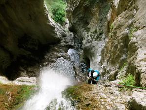 Barranco-Althagneta-Barranquismo-Descenso-de-cañones-Canyoning-Iparralde-Kakueta-Holtzarte-Navarra-Guías-de-Barrancos-Canyon-Guides-37
