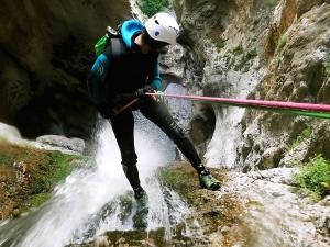 Barranco-Althagneta-Barranquismo-Descenso-de-cañones-Canyoning-Iparralde-Kakueta-Holtzarte-Navarra-Guías-de-Barrancos-Canyon-Guides-39
