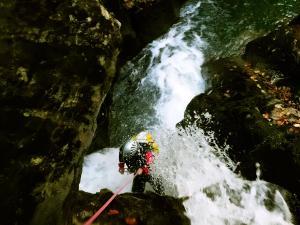 Barranquismo-Zuberoa,-Kakueta,-Navarra,-Isaba,-Canyoning,-Ardane-Phista-8