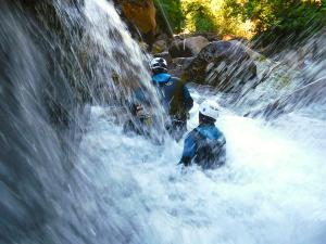 Boca-del-Infierno-Descenso-de-cañones-barranquismo-valle-de-hecho-guías-de-montaña-y-barrancos-Mountain-and-canyon-guides-canyoning-Lurra-adventure-70