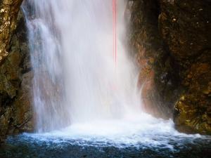 Caldares-Barranquismo-Valle-de-Tena-Valle-de-Ossau-Descenso-de-cañones-barranquismo-valle-de-hecho-guías-de-montaña-y-barrancos-Mountain-and-canyon-guides-canyoning-Lurra-adventure-7