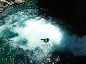 Curso de Aguas Vivas Barranquismo. Curso de descenso de cañones, Aguas Vivas.Guias profesionales de barrancos. Euskadi, Pais Vasco, Navarra, Pirineos-11