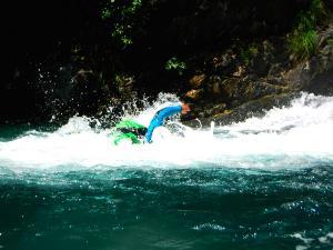 Curso de Aguas Vivas Barranquismo. Curso de descenso de cañones, Aguas Vivas.Guias profesionales de barrancos. Euskadi, Pais Vasco, Navarra, Pirineos-14