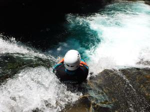 Curso de Aguas Vivas Barranquismo. Curso de descenso de cañones, Aguas Vivas.Guias profesionales de barrancos. Euskadi, Pais Vasco, Navarra, Pirineos-15