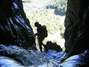 Curso de Aguas Vivas Barranquismo. Curso de descenso de cañones, Aguas Vivas.Guias profesionales de barrancos. Euskadi, Pais Vasco, Navarra, Pirineos-27