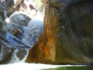 Curso de Aguas Vivas Barranquismo. Curso de descenso de cañones, Aguas Vivas.Guias profesionales de barrancos. Euskadi, Pais Vasco, Navarra, Pirineos-30