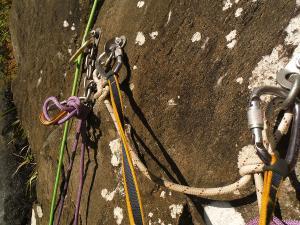 Curso de Grandes Verticales Barranquismo. Curso de descenso de cañones, Grandes Verticales.Guias profesionales de barrancos. Euskadi, Pais Vasco, Navarra, Pirineos-10