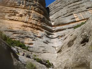 Curso de Grandes Verticales Barranquismo. Curso de descenso de cañones, Grandes Verticales.Guias profesionales de barrancos. Euskadi, Pais Vasco, Navarra, Pirineos-28