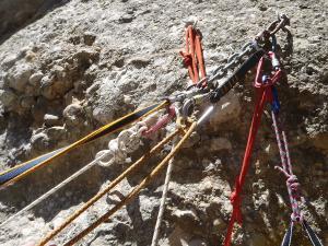 Curso de Grandes Verticales Barranquismo. Curso de descenso de cañones, Grandes Verticales.Guias profesionales de barrancos. Euskadi, Pais Vasco, Navarra, Pirineos-29
