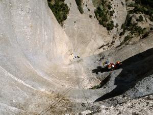 Curso de Grandes Verticales Barranquismo. Curso de descenso de cañones, Grandes Verticales.Guias profesionales de barrancos. Euskadi, Pais Vasco, Navarra, Pirineos-30