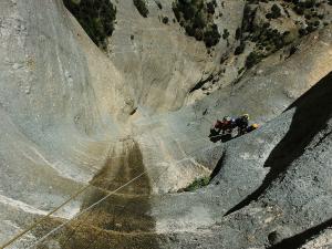 Curso de Grandes Verticales Barranquismo. Curso de descenso de cañones, Grandes Verticales.Guias profesionales de barrancos. Euskadi, Pais Vasco, Navarra, Pirineos-36