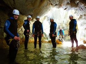 Foz-de-Fago-Descenso-de-cañones-barranquismo-valle-de-hecho-guías-de-montaña-y-barrancos-Mountain-and-canyon-guides-canyoning-Lurra-adventure-17