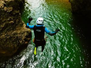 Foz-de-Fago-Descenso-de-cañones-barranquismo-valle-de-hecho-guías-de-montaña-y-barrancos-Mountain-and-canyon-guides-canyoning-Lurra-adventure-3