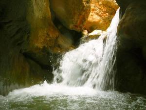 Descenso-barranco-Formiga-Barranquismo-Sierra-de-Guara-Guías-de-Barrancos-Canyoning-Canyon-Guides-Mendi-eta-arroila-gidariak-Arroila-jeitsiera-22