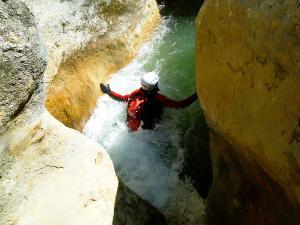 Descenso-barranco-Formiga-Descenso-barranco-Formiga-Barranquismo-Sierra-de-Guara-Guías-de-Barrancos-Canyoning-Canyon-Guides-Mendi-eta-arroila-gidariak-Arroila-jeitsiera-18