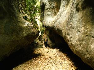 Descenso-barranco-Fornocal-Barranquismo-Sierra-de-Guara-Guías-de-Barrancos-Canyoning-Canyon-Guides-Mendi-eta-arroila-gidariak-Arroila-jeitsiera-8