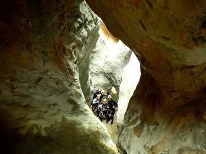 Descenso-barranco-Fornocal-Barranquismo-Sierra-de-Guara-Guías-de-Barrancos-Canyoning-Canyon-Guides-Mendi-eta-arroila-gidariak-Arroila-jeitsiera-9