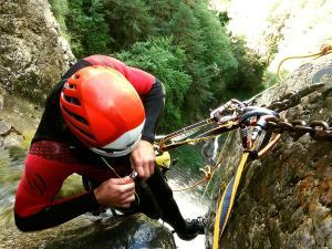 Barranco-Foz-de-la-Canal-Barranquismo-en-Sobrarbe-Ordesa-Bujaruelo-Aínsa-Canyoning-Guías-de-Barrancos-Canyon-Guides-13