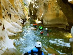 Barranquismo en Familia-Foz-Verde-Garganta-Verde-Barrranquismo-anso-zuriza-canyoning-arroila-jeitsiera-Navarra-Echo-Huesca-27