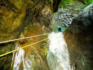 Barranco-Furco-Barranquismo-en-Sobrarbe-Ordesa-Bujaruelo-Aínsa-Canyoning-Guías-de-Barrancos-Canyon-Guides-10