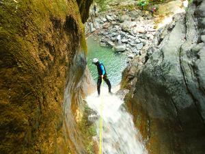 Barranco-Furco-Barranquismo-en-Sobrarbe-Ordesa-Bujaruelo-Aínsa-Canyoning-Guías-de-Barrancos-Canyon-Guides-11