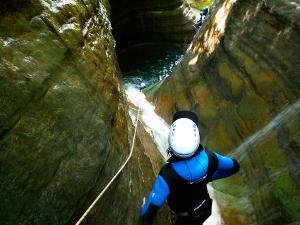 Barranco-Furco-Barranquismo-en-Sobrarbe-Ordesa-Bujaruelo-Aínsa-Canyoning-Guías-de-Barrancos-Canyon-Guides-13
