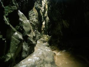 Garganta-GLOCES-Barranquismo-en-Sobrarbe-Ordesa-Bujaruelo-Aínsa-Canyoning-Guías-de-Barrancos-Canyon-Guides-13