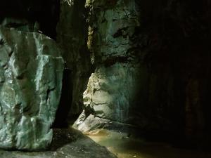 Garganta-GLOCES-Barranquismo-en-Sobrarbe-Ordesa-Bujaruelo-Aínsa-Canyoning-Guías-de-Barrancos-Canyon-Guides-15
