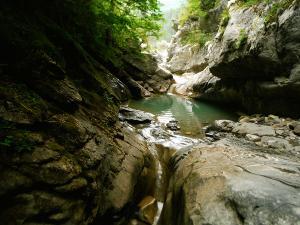 Garganta-GLOCES-Barranquismo-en-Sobrarbe-Ordesa-Bujaruelo-Aínsa-Canyoning-Guías-de-Barrancos-Canyon-Guides-17