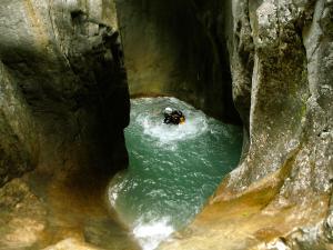 Garganta-GLOCES-Barranquismo-en-Sobrarbe-Ordesa-Bujaruelo-Aínsa-Canyoning-Guías-de-Barrancos-Canyon-Guides-4