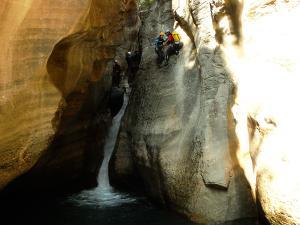 Gorgol-Barranquismo-Valle-de-Tena-Valle-de-Ossau-Descenso-de-cañones-barranquismo-valle-de-hecho-guías-de-montaña-y-barrancos-Mountain-and-canyon-guides-canyoning-Lurra-adventure-1