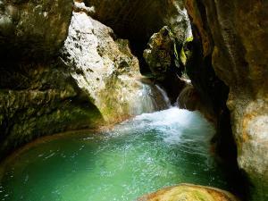 Descenso-barranco-Formiga-y-Gorgonchon-Barranquismo-Sierra-de-Guara-Guías-de-Barrancos-Canyoning-Canyon-Guides-Mendi-eta-arroila-gidariak-Arroila-jeitsiera-8