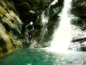 Barranco-Lapazosa-Barranquismo-en-Sobrarbe-Ordesa-Bujaruelo-Aínsa-Canyoning-Guías-de-Barrancos-Canyon-Guides-11