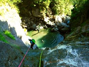Barranco-Lapazosa-Barranquismo-en-Sobrarbe-Ordesa-Bujaruelo-Aínsa-Canyoning-Guías-de-Barrancos-Canyon-Guides-14
