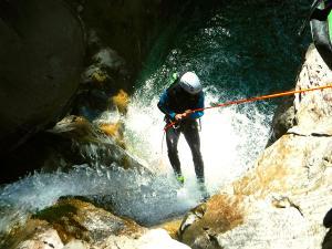 Barranco-Lapazosa-Barranquismo-en-Sobrarbe-Ordesa-Bujaruelo-Aínsa-Canyoning-Guías-de-Barrancos-Canyon-Guides-25