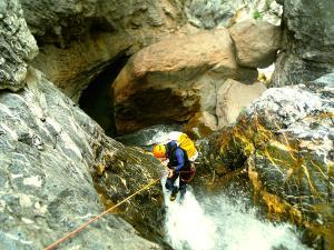 Barranco-Lapazosa-Barranquismo-en-Sobrarbe-Ordesa-Bujaruelo-Aínsa-Canyoning-Guías-de-Barrancos-Canyon-Guides-5