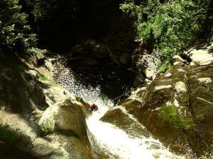 Barranco-Lapazosa-Barranquismo-en-Sobrarbe-Ordesa-Bujaruelo-Aínsa-Canyoning-Guías-de-Barrancos-Canyon-Guides-6